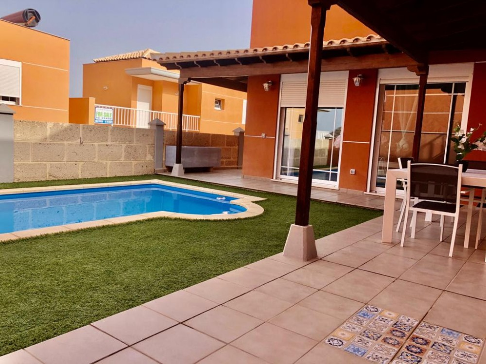 3 bed Villa For Sale in Tenerife,  - 1