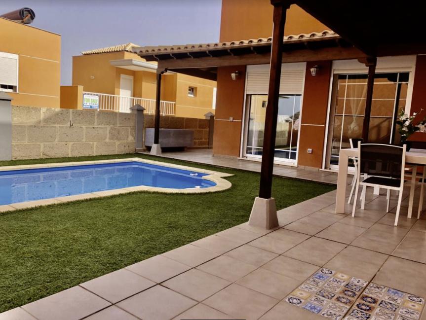 3 bed Villa For Sale in Los Cristianos,  - 1
