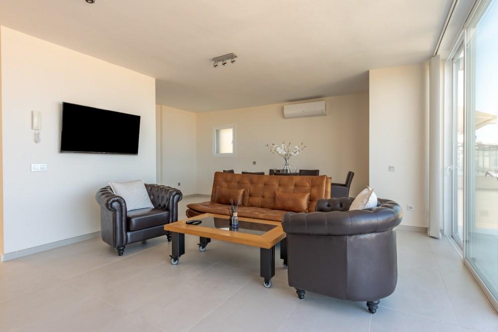 4 bed Villa For Sale in Playa de las Americas,  - 3