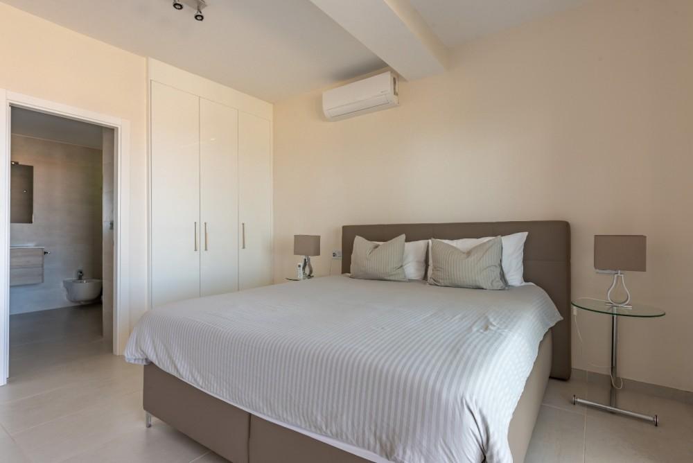 4 bed Villa For Sale in Playa de las Americas,  - 21