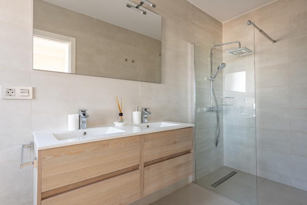 4 bed Villa For Sale in Playa de las Americas,  - 30
