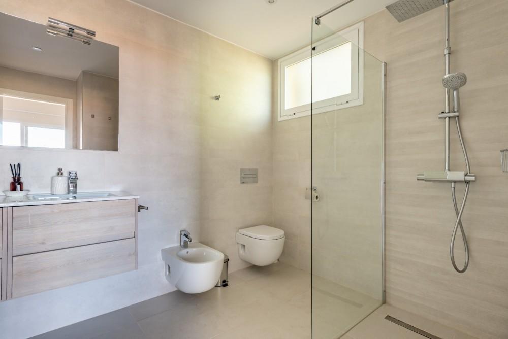 4 bed Villa For Sale in Playa de las Americas,  - 32