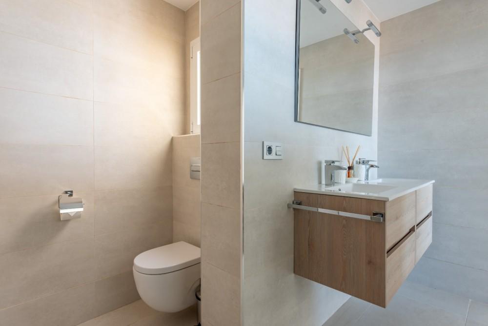 4 bed Villa For Sale in Playa de las Americas,  - 33