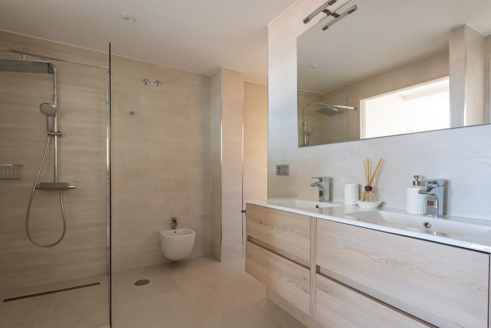 4 bed Villa For Sale in Playa de las Americas,  - 34