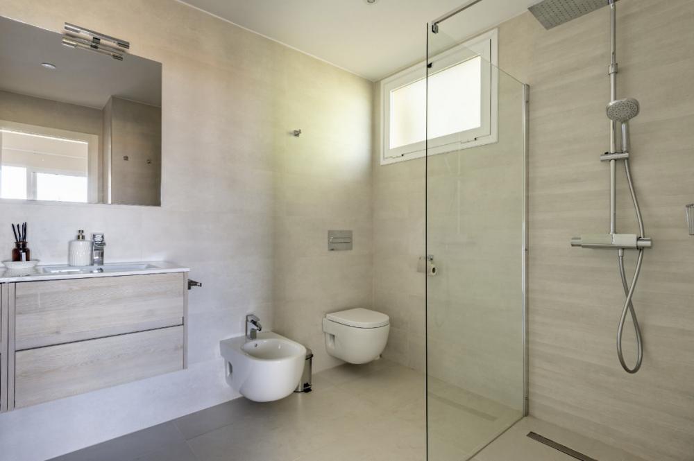 4 bed Villa For Sale in Playa de las Americas,  - 18
