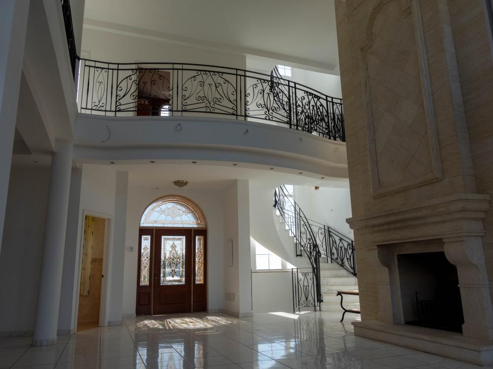 4 bed Villa For Sale in EL ROQUE,